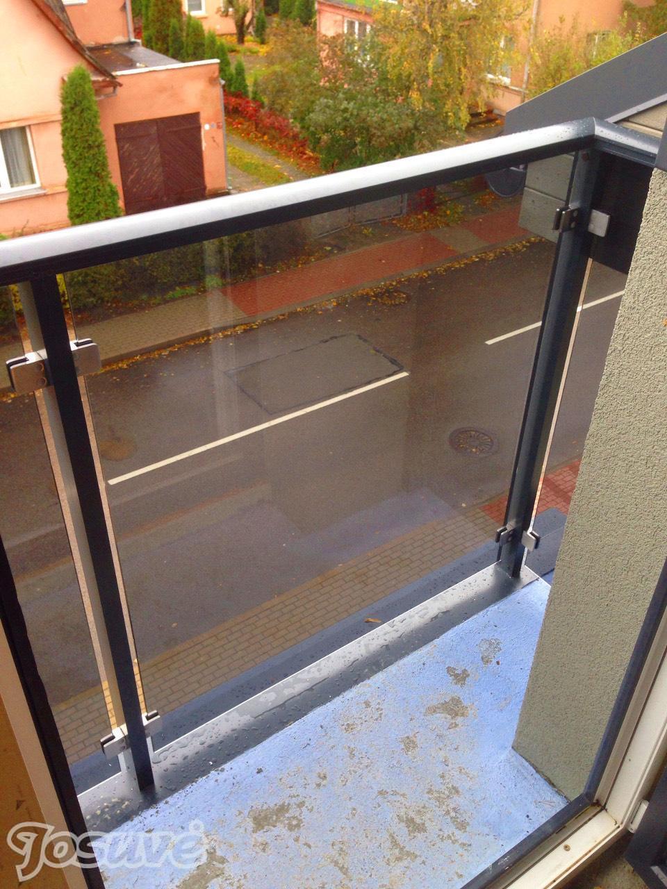 balkono tureklu stiklinimas